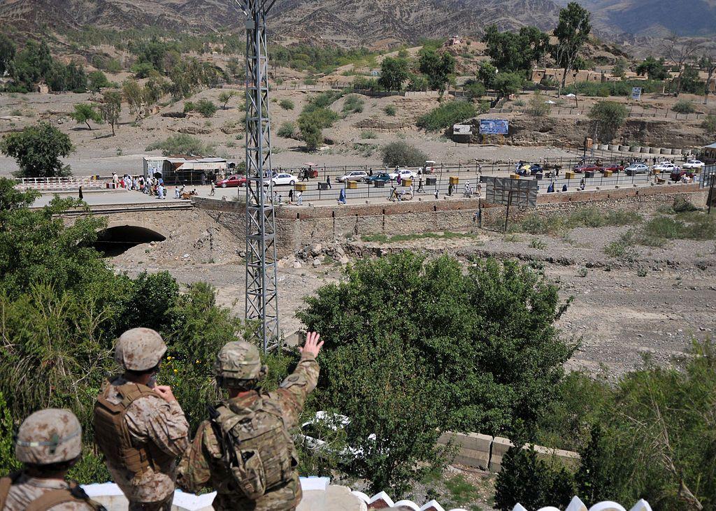 """CIA'e yakın siteden NATO'ya sert eleştiri: """"Taliban'ın kazanmasının sebebi işte bu"""""""