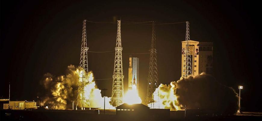 İran ilk askeri uydusunu başarılı şekilde fırlattığını duyurdu