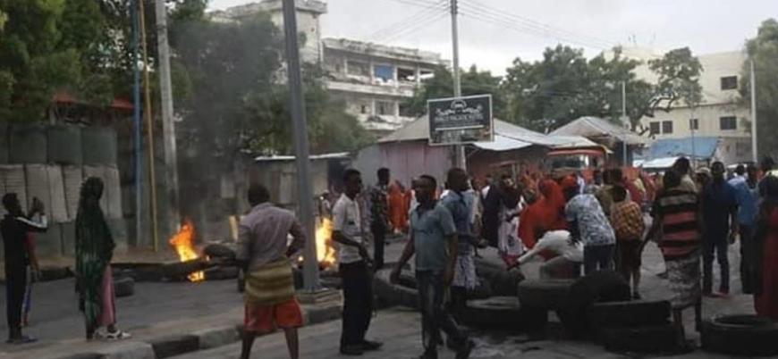 Somali'nin başkenti Mogadişu'da hükümet karşıtı protestolar şiddetleniyor