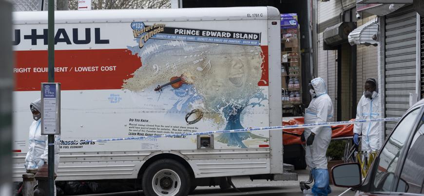 New York'ta cenaze evlerinde yer kalmadı, ölüler kamyonlara koyuldu