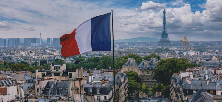 Fransa'da eski başbakan ve 2 bakana Covid-19 soruşturması