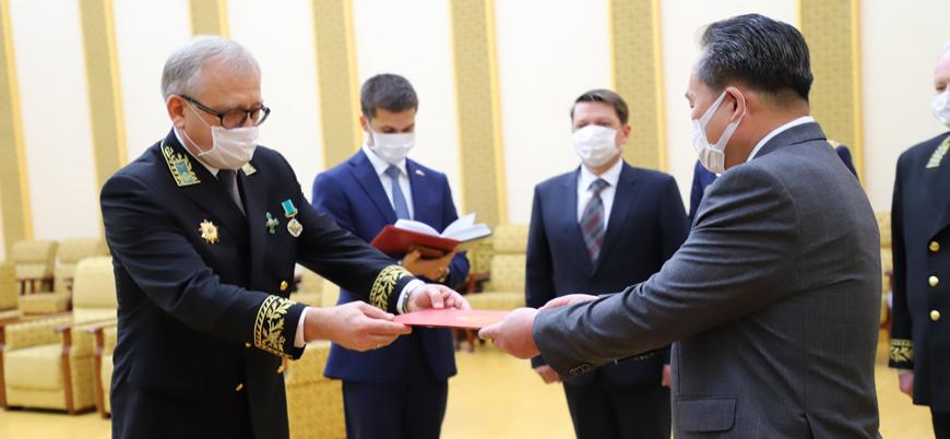 Putin'den Kuzey Kore lideri Kim Jong-un'a madalya