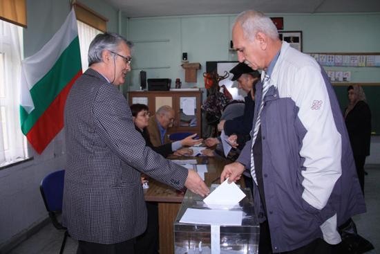 Bulgaristan'da seçim: Türklerin yeni partisi baraj altı kaldı