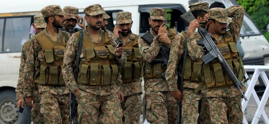 Belucistan'da Pakistan askerlerine bombalı saldırı: 6 ölü