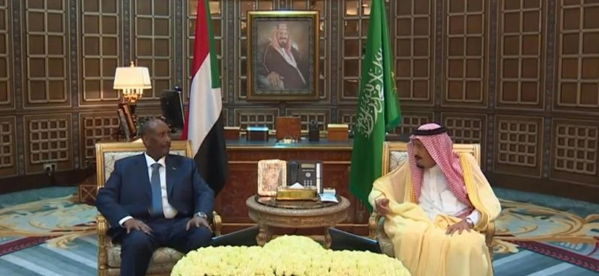 Suudi Arabistan Sudan'ı terörü destekleyen ülkeler listesinden çıkarma çabasında
