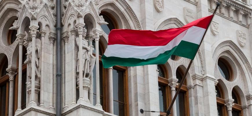 Macaristan, LGBT'nin 'normal' olarak gösterildiği yayınları yasaklamaya hazırlanıyor
