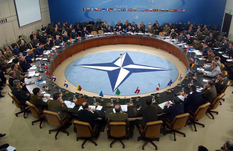 NATO'nun buz ve ateş çemberi