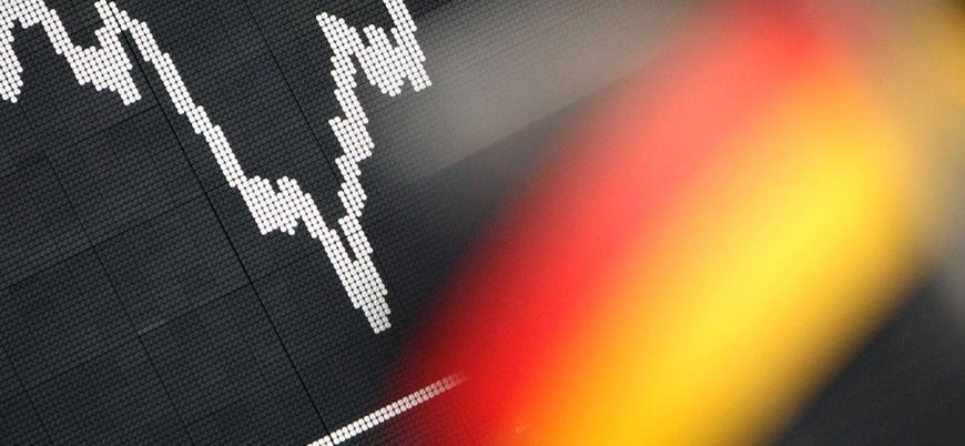 Alman ekonomisi ilk çeyrekte yüzde 2,2 küçüldü