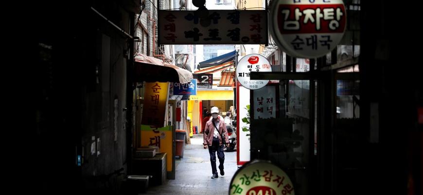 Salgınla mücadelede örnek gösterilen Güney Kore'de vaka sayısı yeniden artmaya başladı