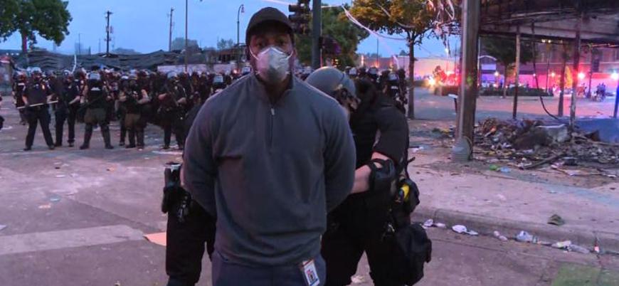 ABD'deki protestoları haberleştiren CNN muhabirine ters kelepçe
