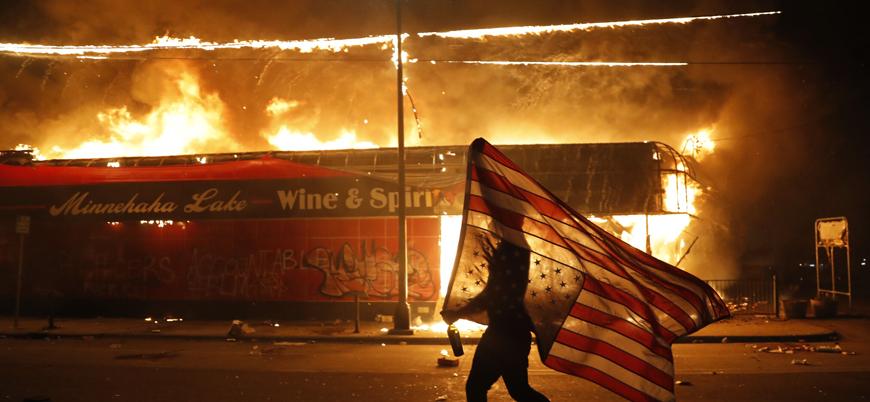 ABD'de siyahilere yönelik polis şiddetine karşı protestolar sürüyor