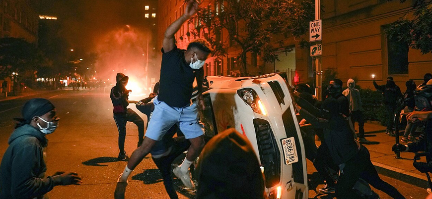 ABD'deki protestolarda 4 polis silahla vuruldu