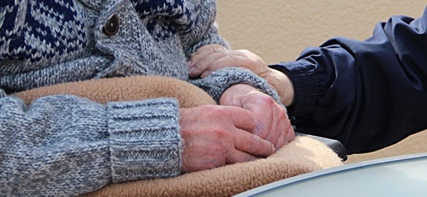 Koronavirüs: İngiltere'de çok sayıda yaşlı evde tek başına öldü, cesetleri haftalar sonra bulundu
