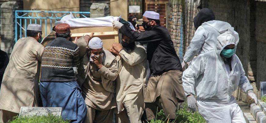 Pakistan'da koronavirüs: Hastaneler doldu, hastalar geri çevriliyor