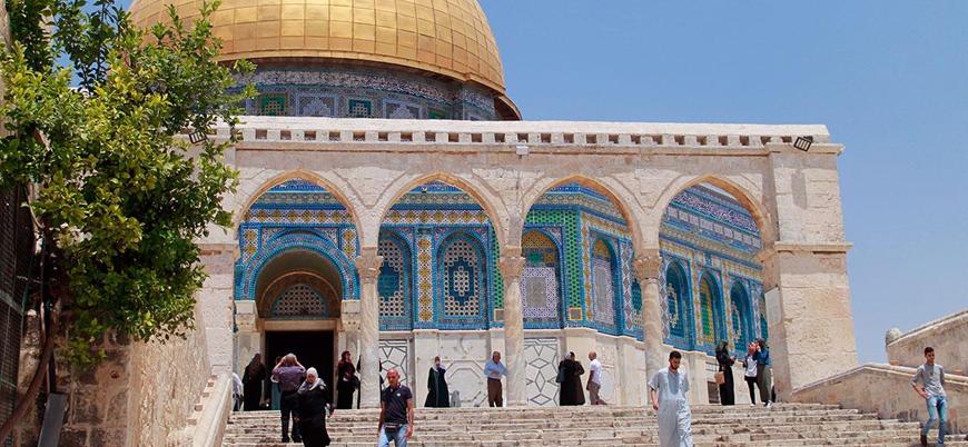 İsrail yönetimi Filistinlileri Mescidi Aksa'dan uzaklaştırıyor
