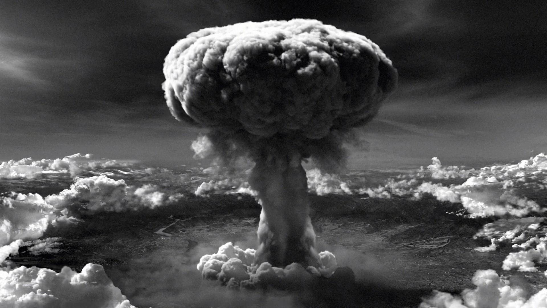 Hiroşima'nın ahlaki yönünü tartışmaya açmak