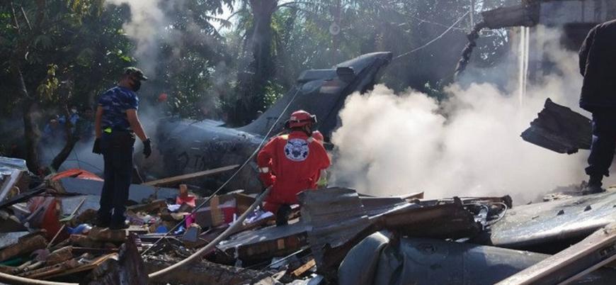 Endonezya'da savaş uçağı düştü