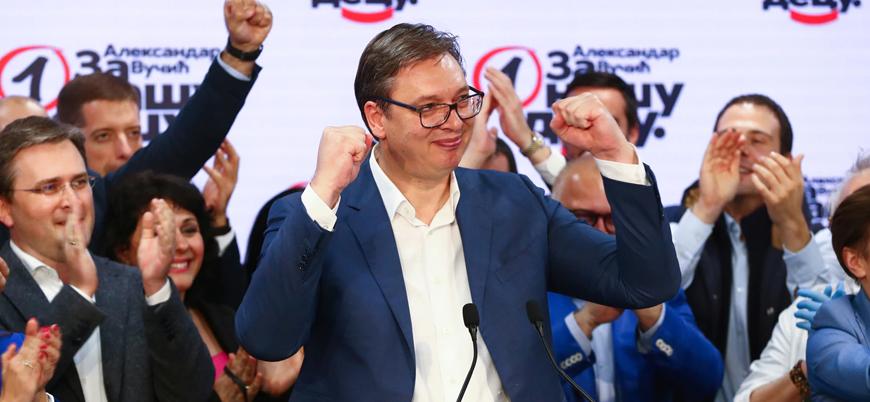 Sırbistan'daki seçimlerde aşırı sağcı Vucic zaferi