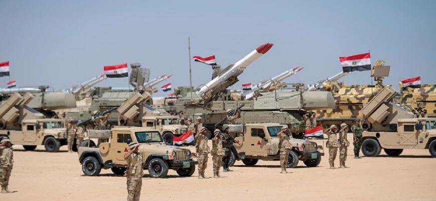 Mısır ordusu Libya'ya girer mi?