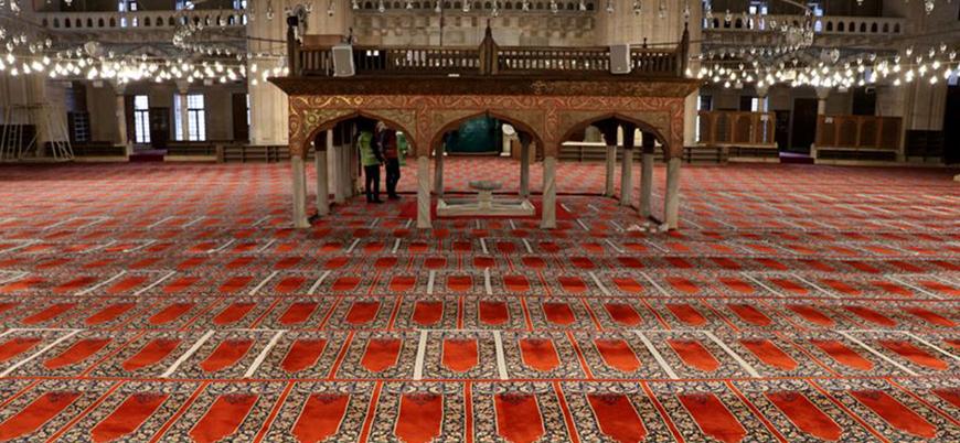 Türkiye'de camiler cemaatle namaza kısmen açıldı