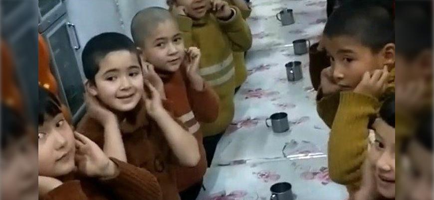 """""""Komünist Parti rejimi, ailesi kamplarda tutulan Uygur çocuklarını Çinlileştiriyor"""""""