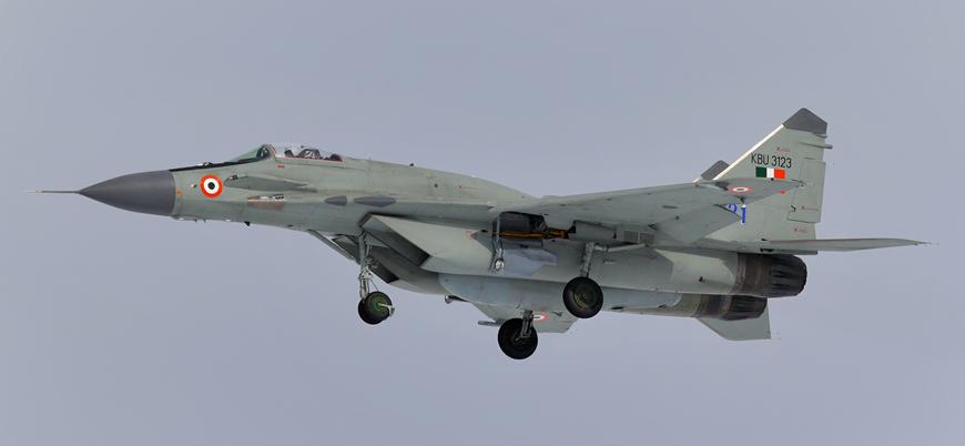 Hindistan Rusya'dan MiG-29 ve Su-30 savaş uçağı alıyor