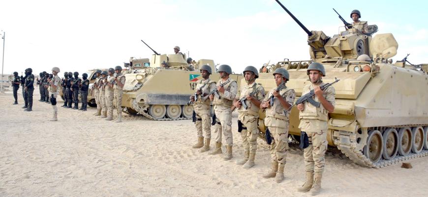 Mısır ordusundan Libya sınırında askeri tatbikat