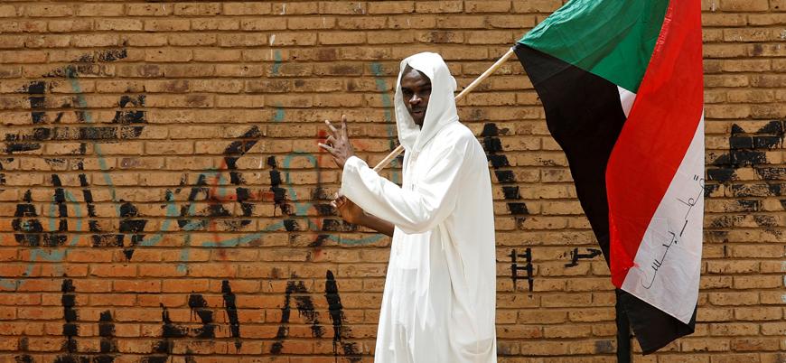 Sudan'da 'İsrail ile normalleşme' krizi