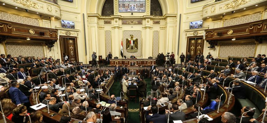 Mısır parlamentosu Libya'ya askeri müdahaleye yeşil ışık yaktı