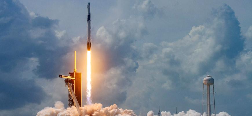 Güney Kore ilk askeri uydusunu uzaya gönderdi