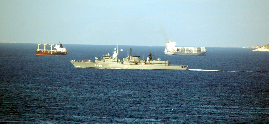 Yunanistan Ege'ye savaş gemileri konuşlandırdı