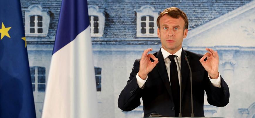 Macron Hz. Muhammed'e hakaret ettiği için öldürülen kişiyi 'kahraman' ilan etti