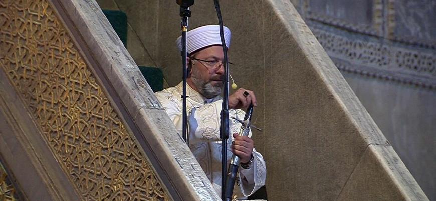Ayasofya'da kılıç geleneğiyle cuma hutbesi