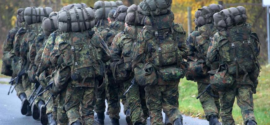 Almanya ordudaki eşcinsellere tazminat ödeyecek