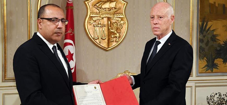 Tunus'ta hükümeti kurma görevi İçişleri Bakanı el-Meşişi'ye verildi