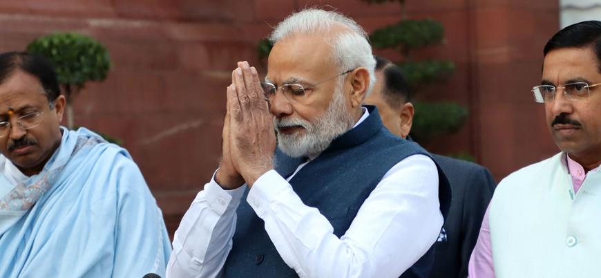 Hindistan'da tarihi caminin yerine Hindu tapınağı inşa edilecek