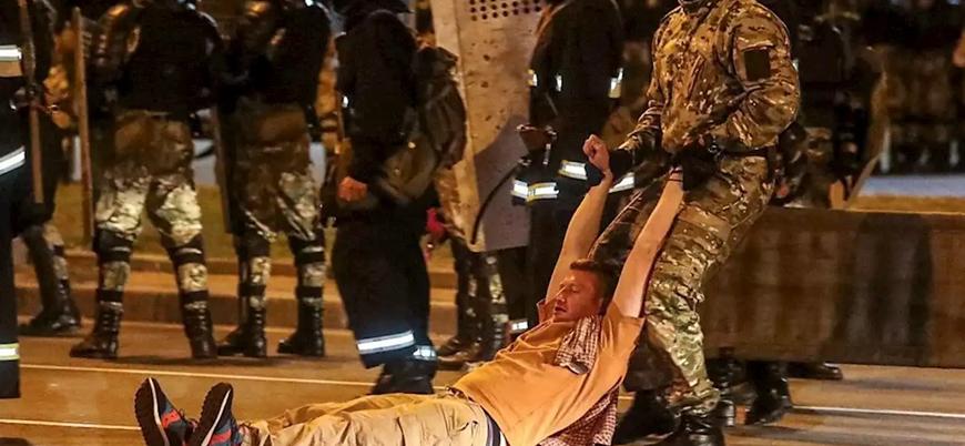 Lukaşenko'nun seçimleri yeniden kazandığının açıklandığı Belarus'ta sokaklar karıştı