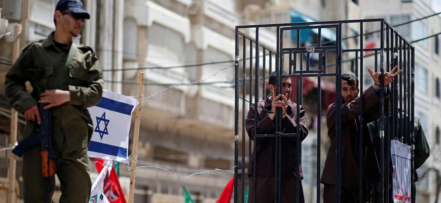 Filistinli 500 esir 15 yıldan fazladır İsrail hapishanelerinde