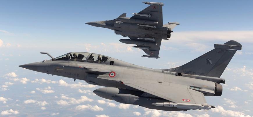 Fransız savaş uçakları Doğu Akdeniz'de devriye için Güney Kıbrıs'ta