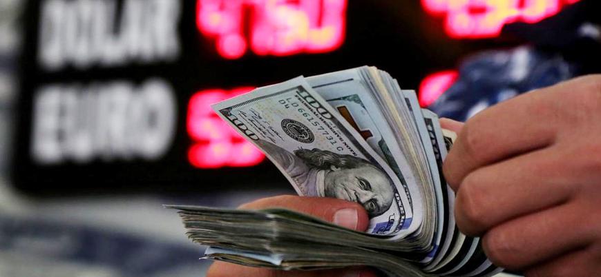 Bankalar nakit döviz çekimlerinden masraf almaya başladı