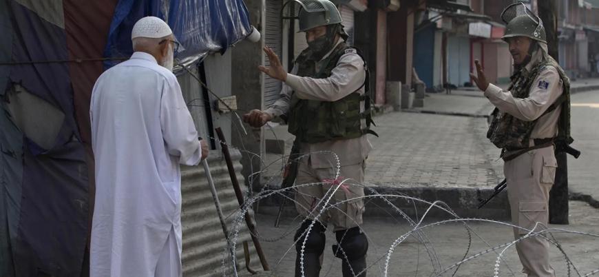 Hindistan bağımsızlık yıl dönümünde Keşmir'de sokağa çıkma yasağı ilan etti