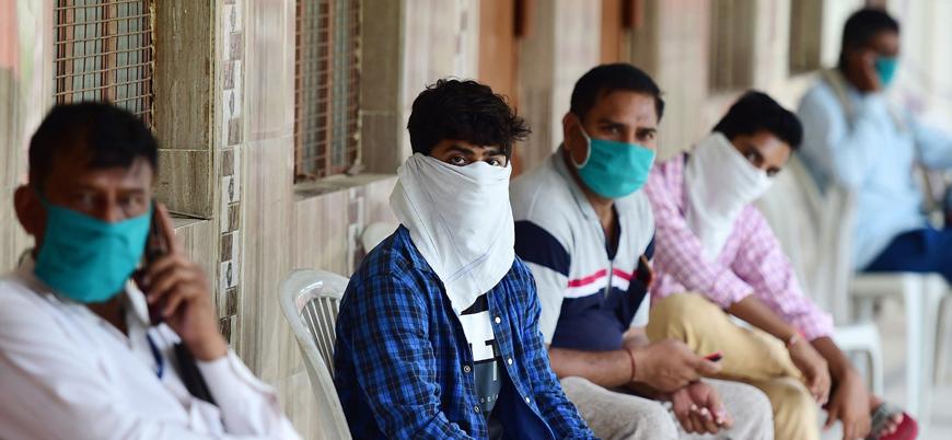 Hindistan'da koronavirüs ölümleri 50 bini aştı