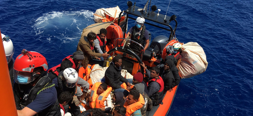 Libya açıklarında göçmen teknesi battı: En az 45 ölü