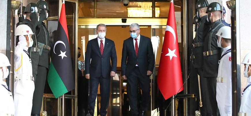 Savunma Bakanı Akar Libya İçişleri Bakanı Başağa ile görüştü