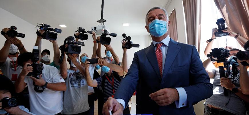 Karadağ'da seçimleri muhalefet kazandı