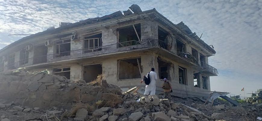 Taliban Kabil hükümetine ait askeri merkezi vurdu: 70 ölü