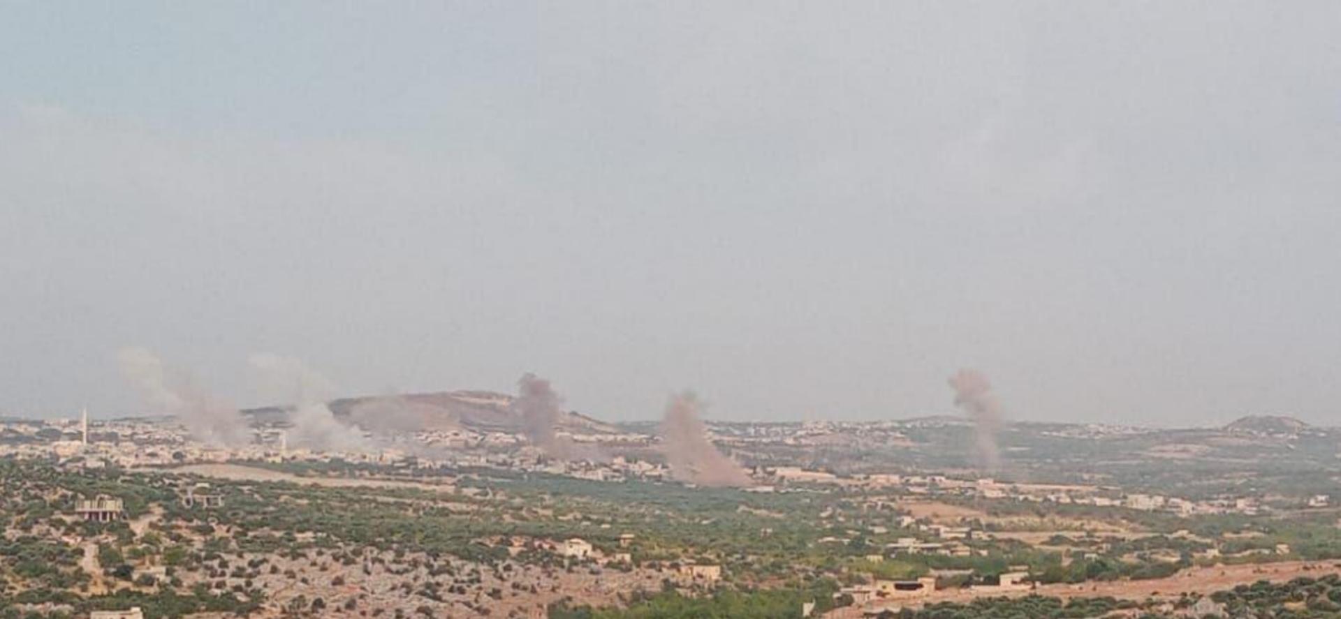 Esed rejimi Fırat Kalkanı bölgesini El Bab'ı vuruyor