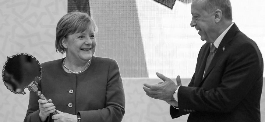Bloomberg: Türkiye ve Yunanistan arasındaki gerilimi düşürmek için Merkel araya girmeli