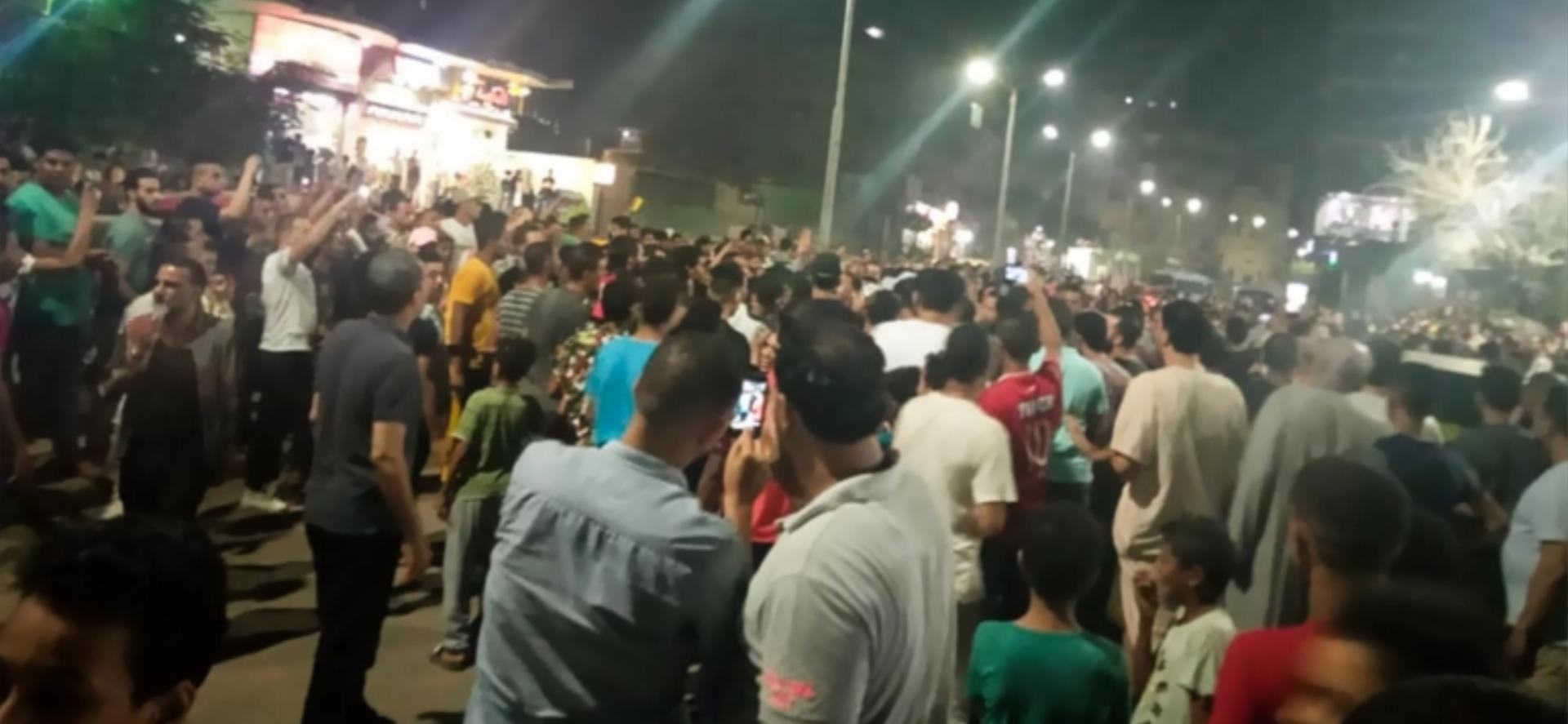 Mısırlılar korku duvarını aştı: Protestolar yayılıyor