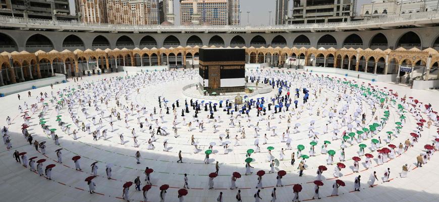 Suudi Arabistan umrecileri kabul etmeye hazırlanıyor